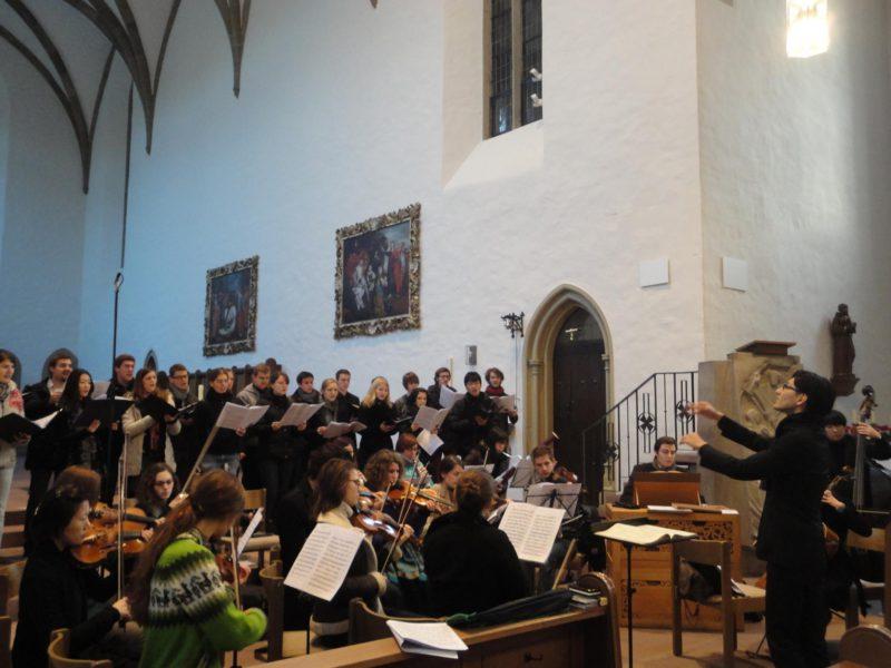 ヴュルツブルク・バッハ・カンタータクラブでは音楽監督と指揮を務めた。